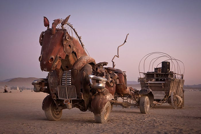 Burning-Man-Art-Cars-001.jpg
