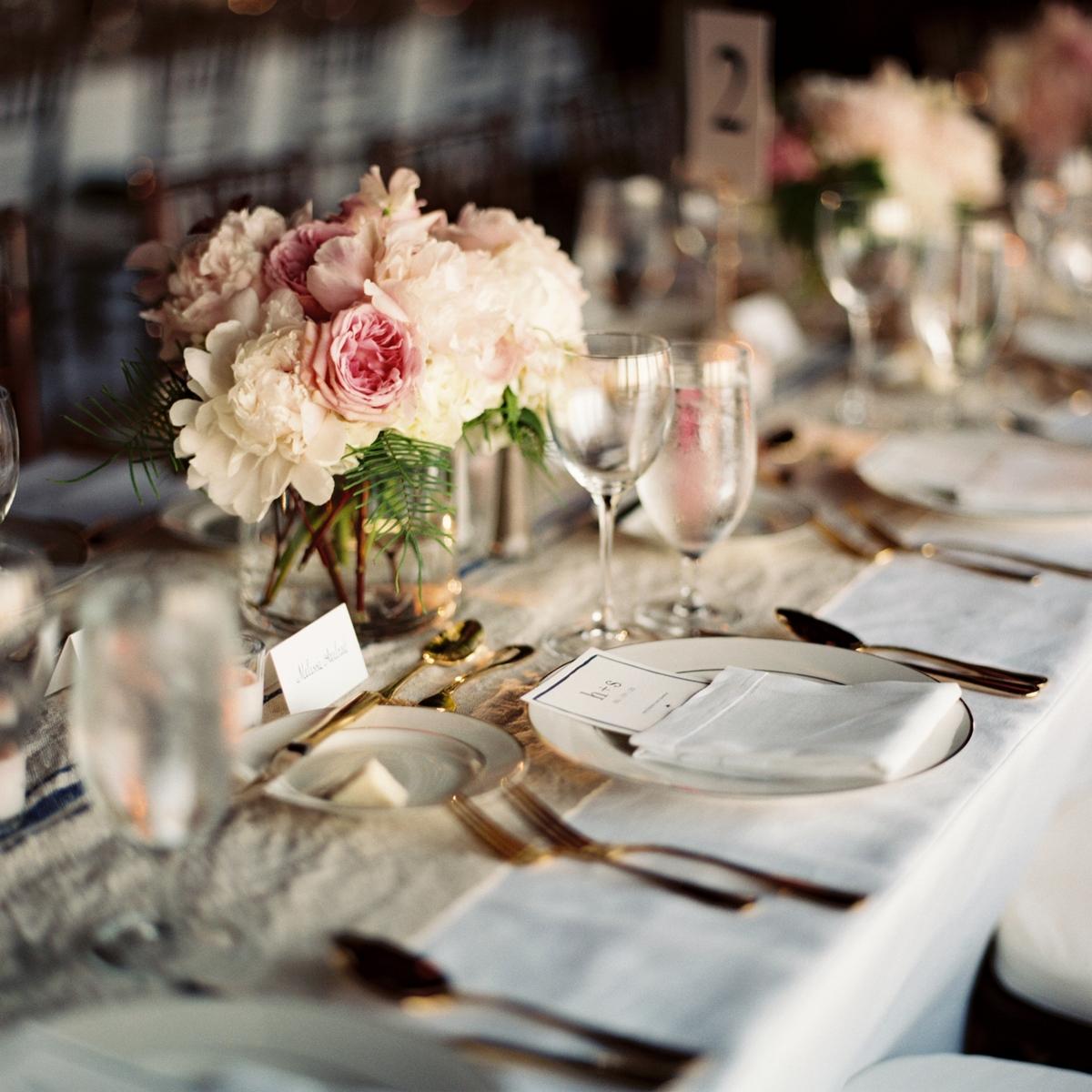 Centerpiece Wedding Floral Designs: Massachuesttes