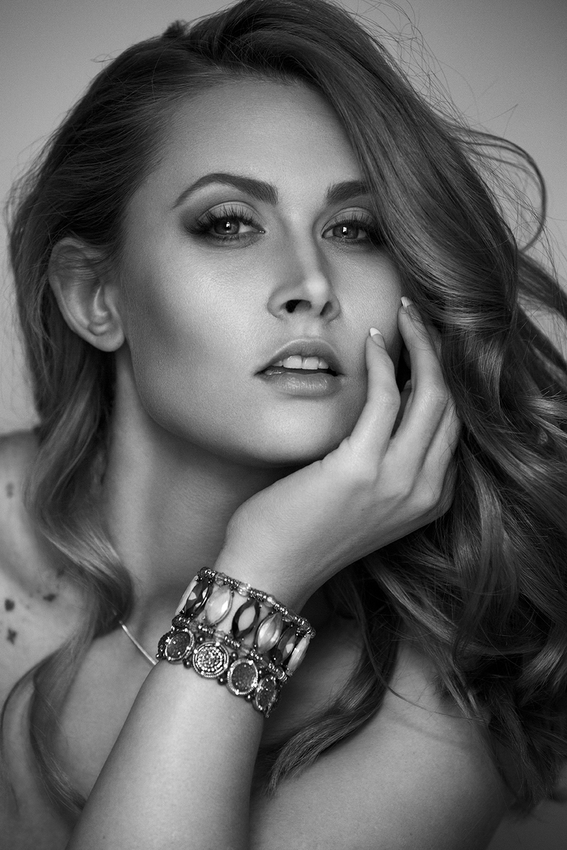 Beauty_Taylor-405-3.jpg