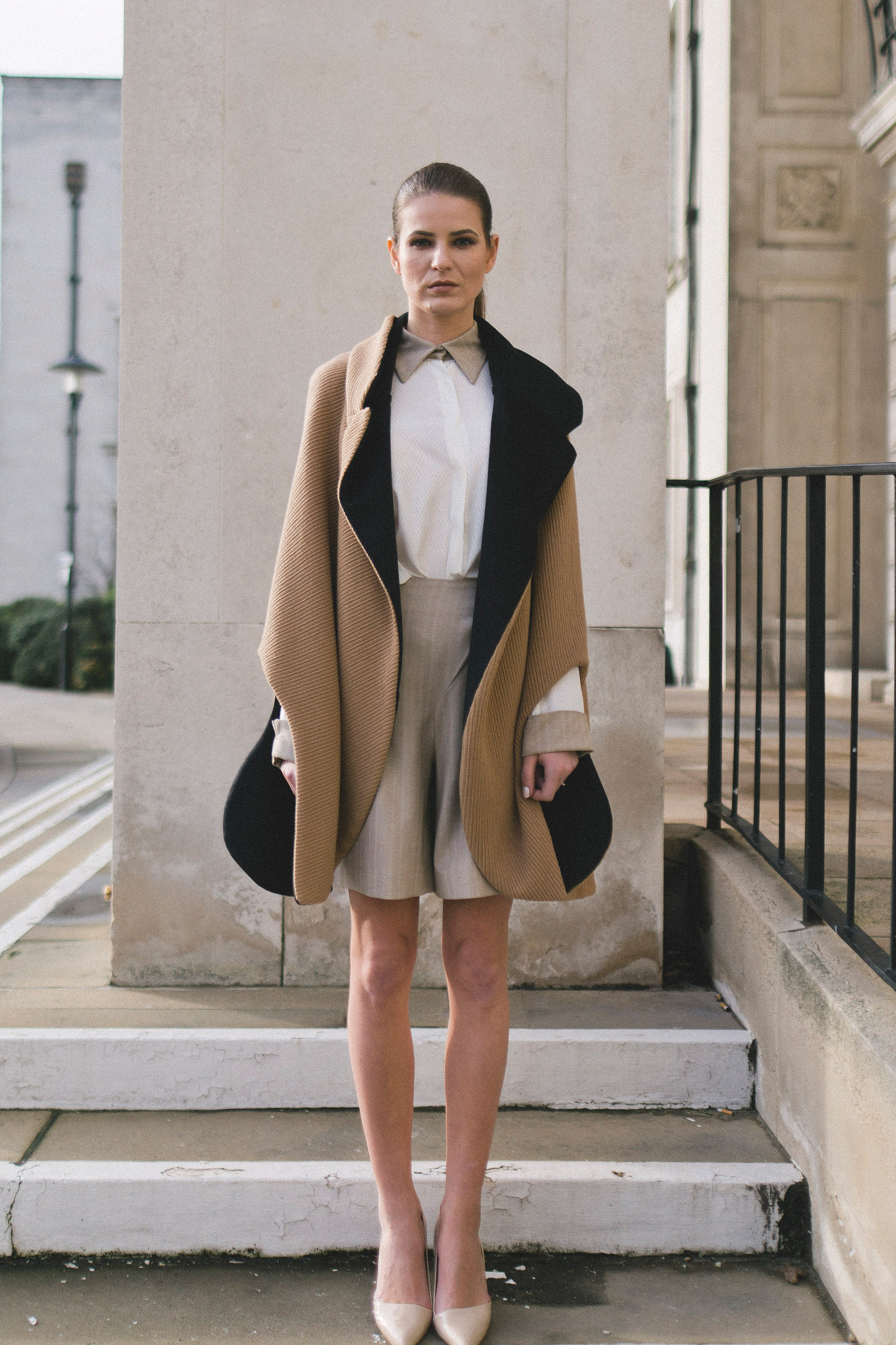 Isabel Wong Reversible Bilancia Cape in Camel Wool Knit and Black Cashmere