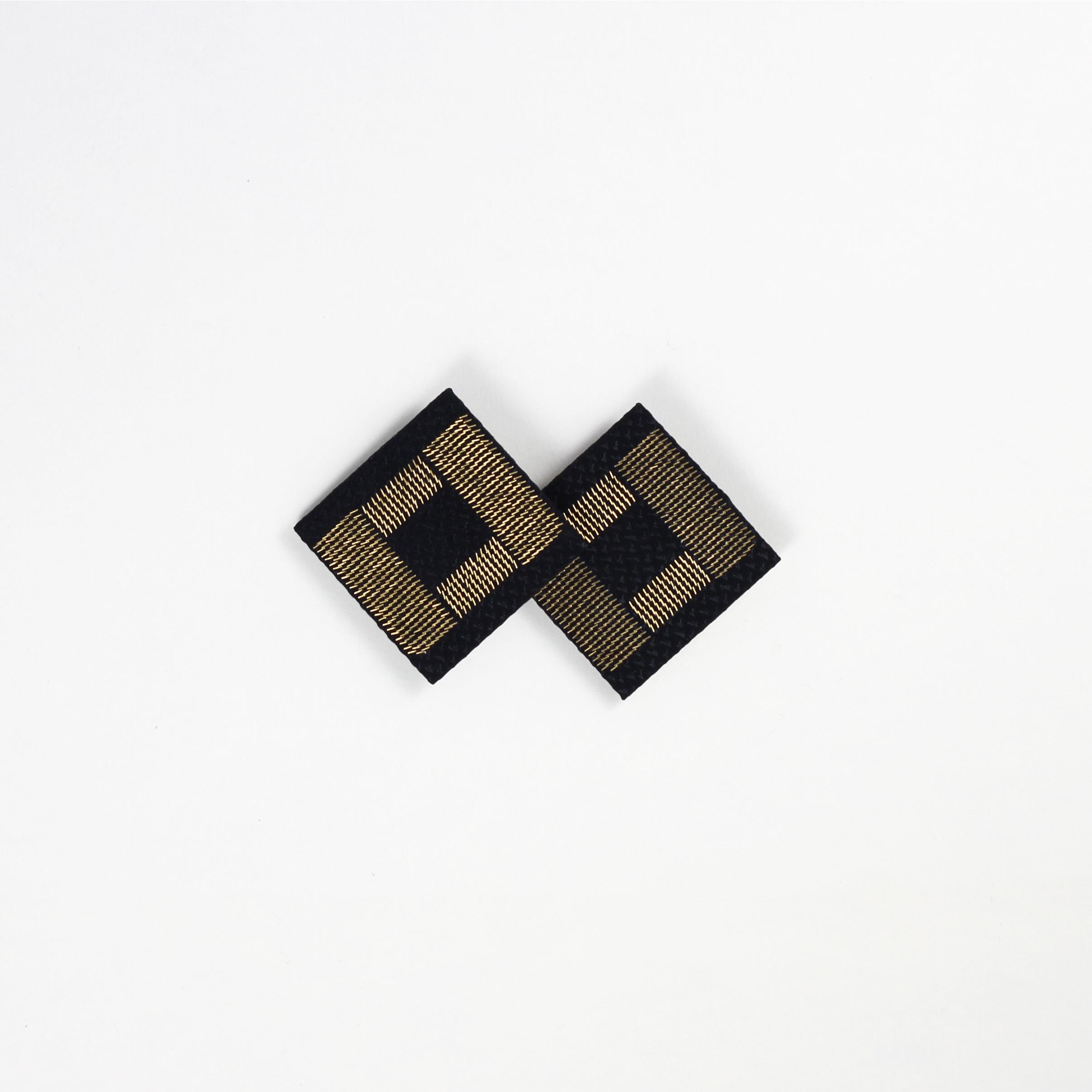 Shoe-Clips-Black--Silk-Gold-Metal-CPU-Isabel-Wong-5.JPG