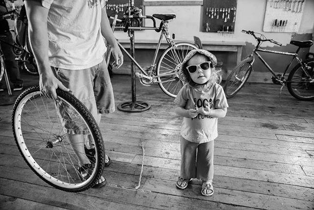 😎•🚲•😎•🚲•😎 #kidsonbikes #communitybikeshop #freebikesforkids #freecyclesmissoula #nonprofit #montana #😎 #🚲 #socool