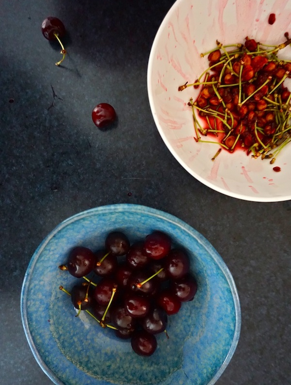 How to make vegan cherry pie filling