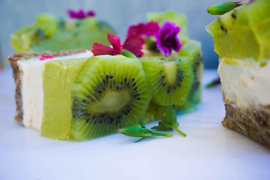 Raw Kiwi Ice Cream Cake | Sweet Recipes | Sproutly Stories