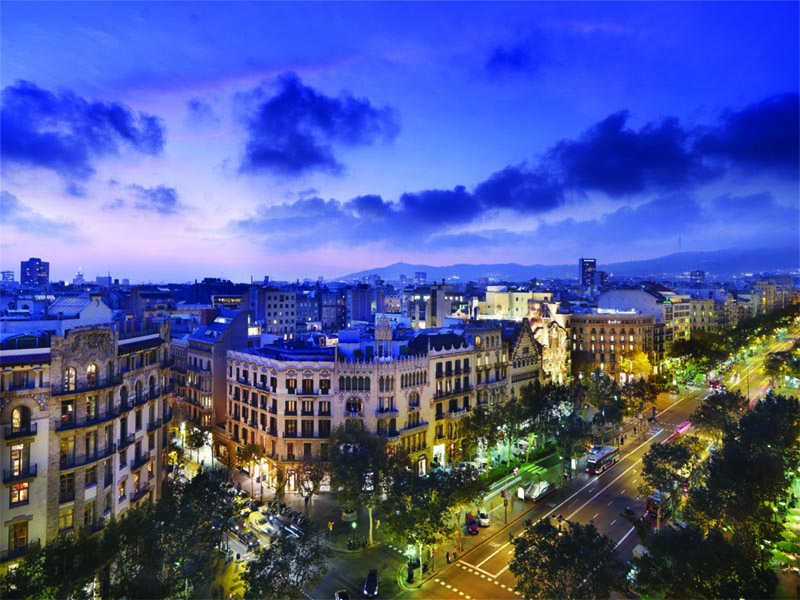 8-LOCATION SPAIN barcelona_33_views_from_the_rooftop_lg.jpg