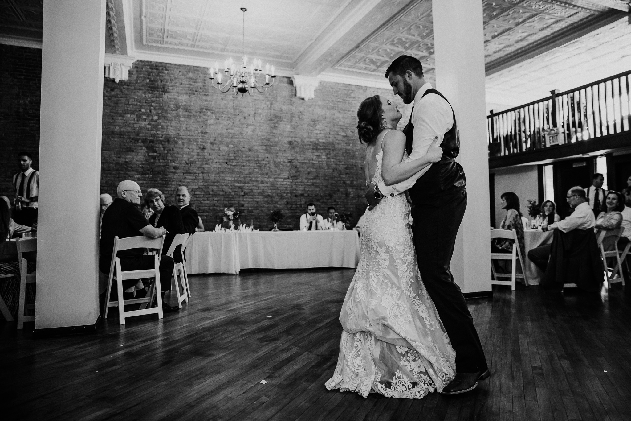 Kansas City Wedding Photography at Flander Hall in Excelsior Springs by Merry Ohler