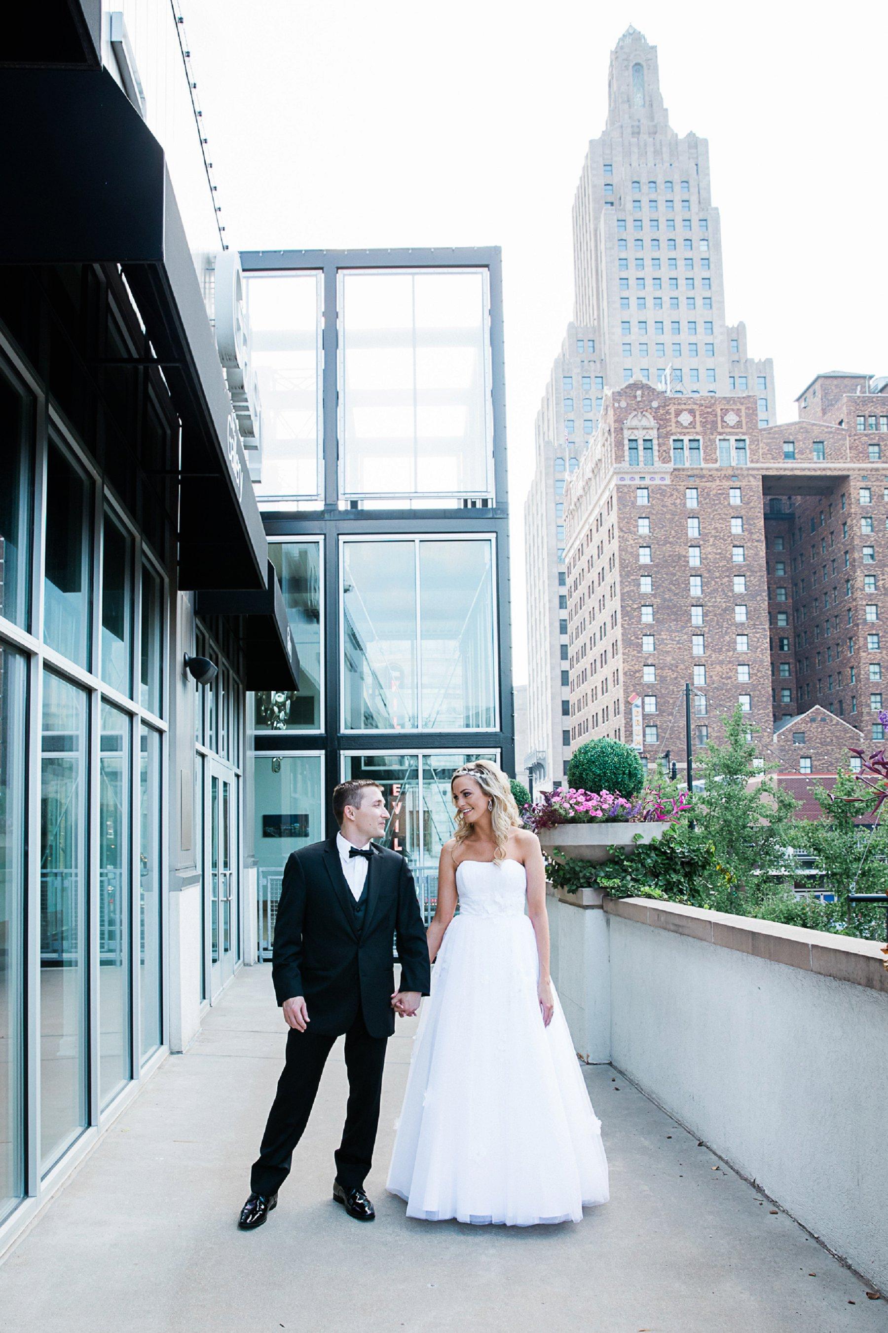 Bride and Groom Skyline Photography | Best Kansas Wedding Photographer Merry Ohler