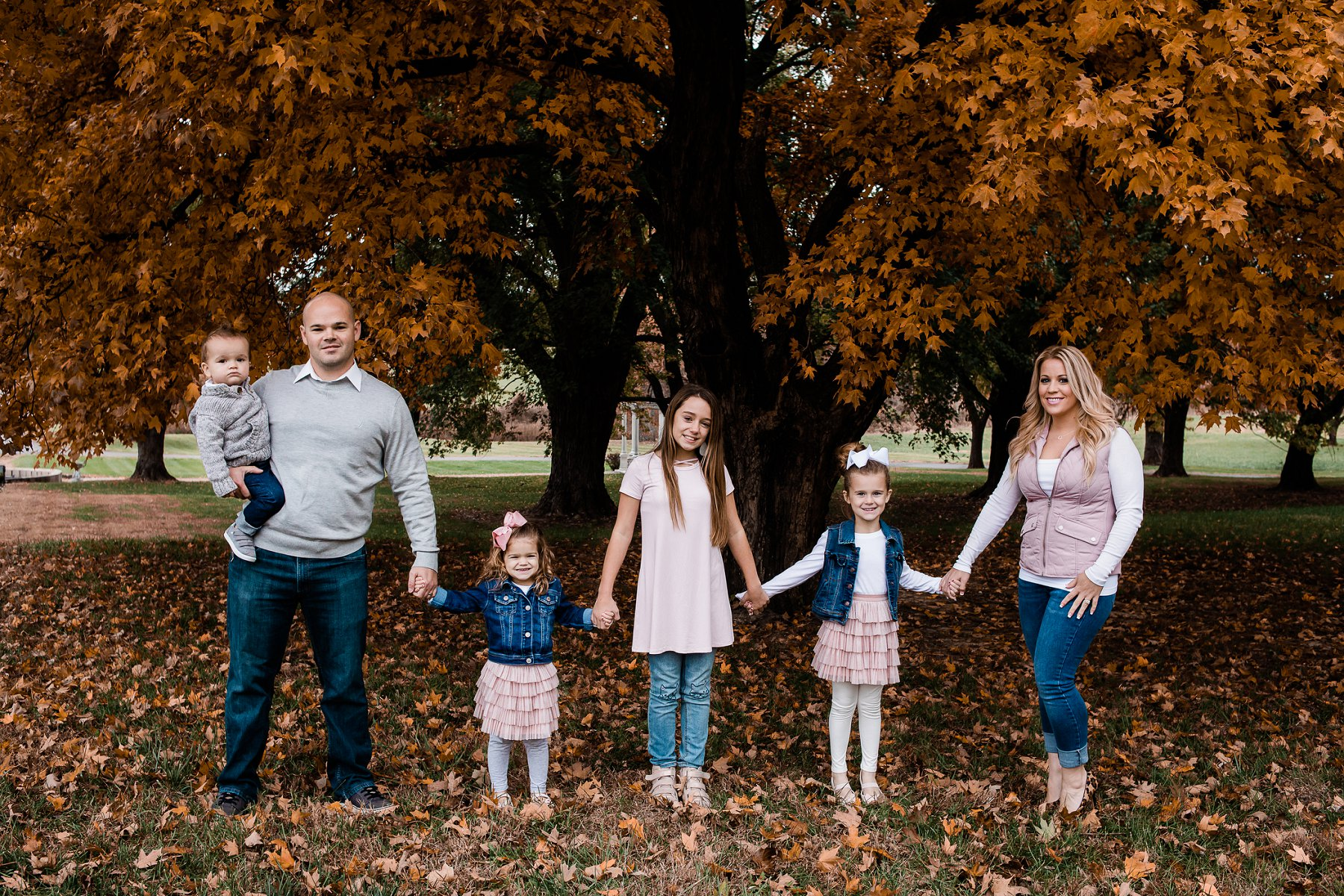 Fall Family Photography at Belvoir WInery by Family Photographer in Kansas City, Merry Ohler (1)