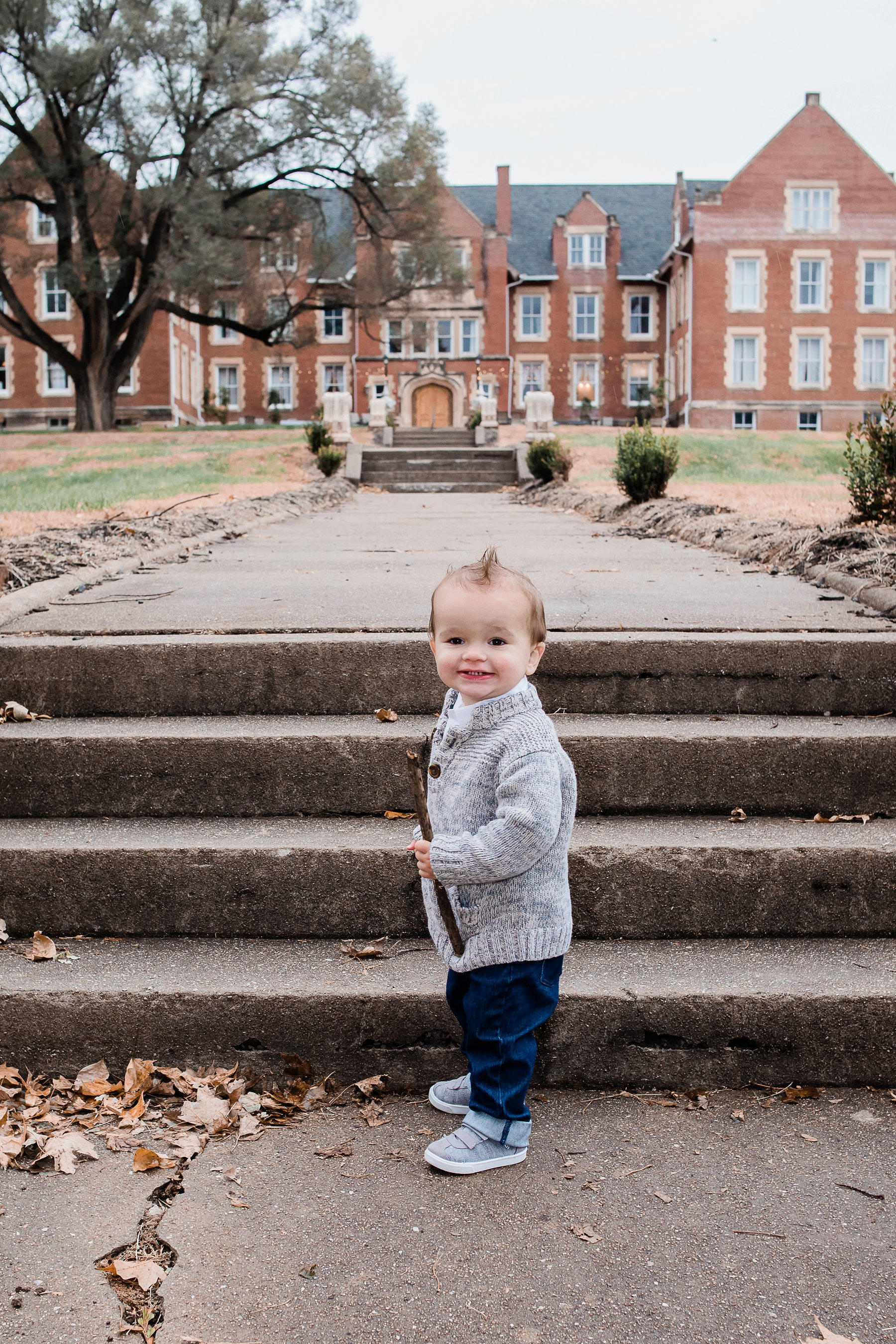 Fall Family Photography at Belvoir WInery by Family Photographer in Kansas City, Merry Ohler (10)