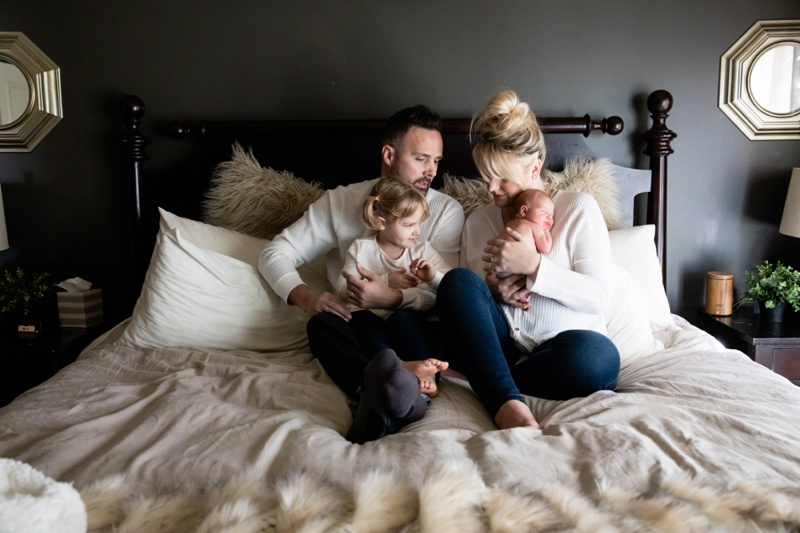 Winter Lifestyle Newborn Photography in Kansas City by Merry Ohler 5