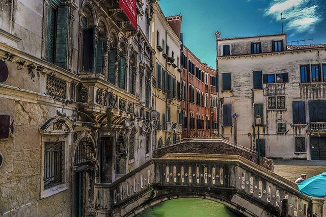 #venice #italy #travel #adventure #explore #sonya7iii #tamaron #Europe #architecture #doorporn #abroad #photography #lightroommobile