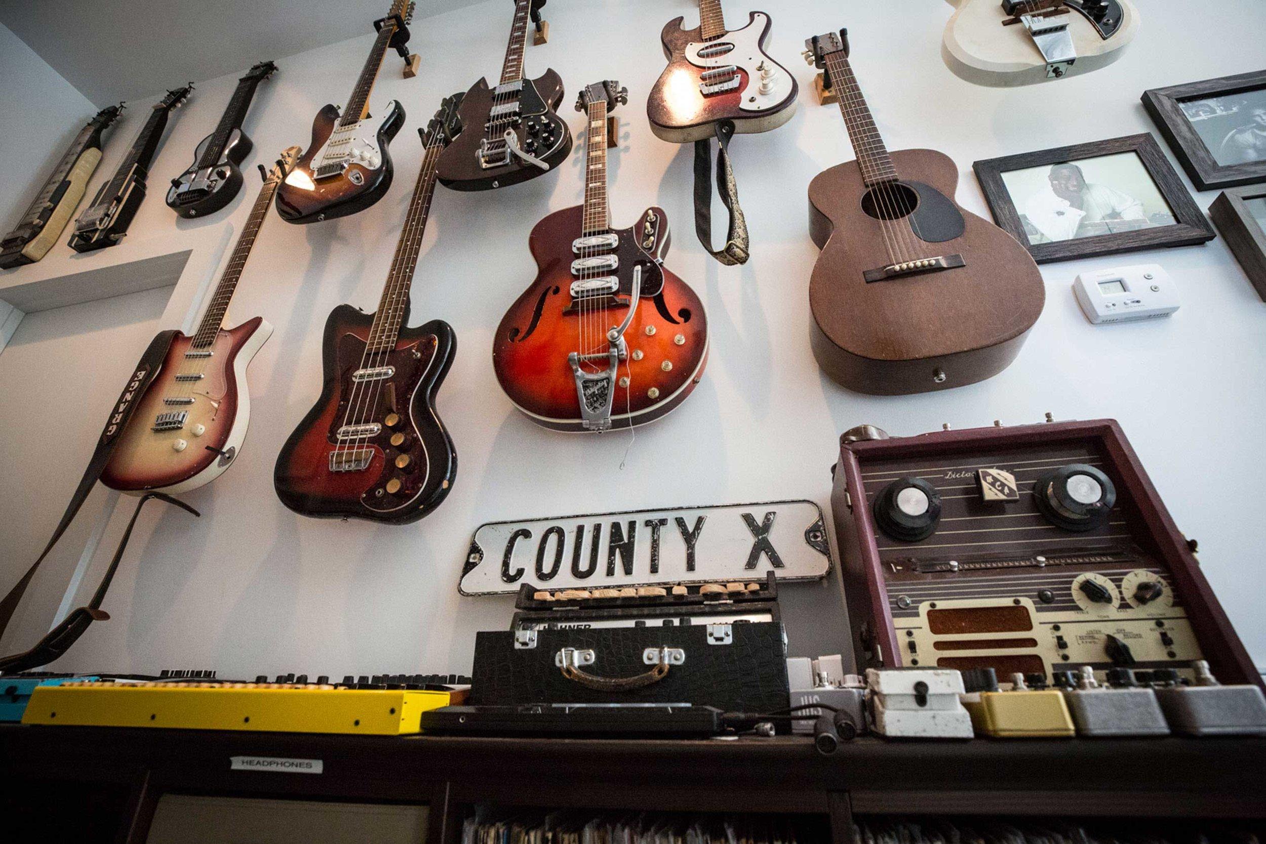 Resistor-Guitars-for-web.jpg