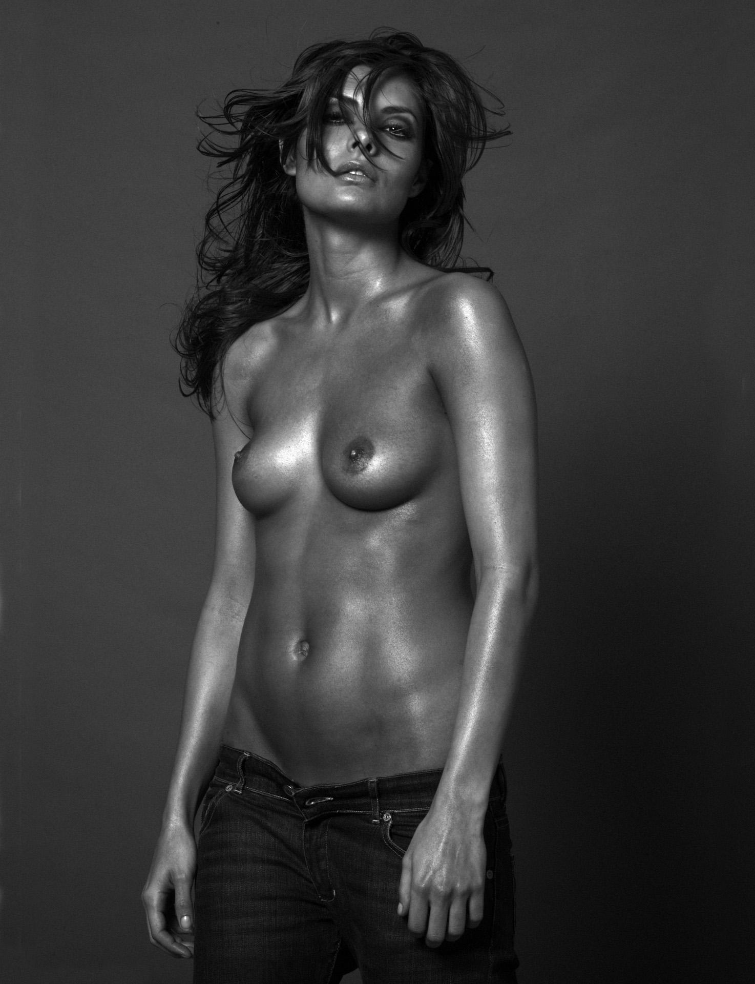 Roberto Aguilar_Photographer_roll4 150.jpg