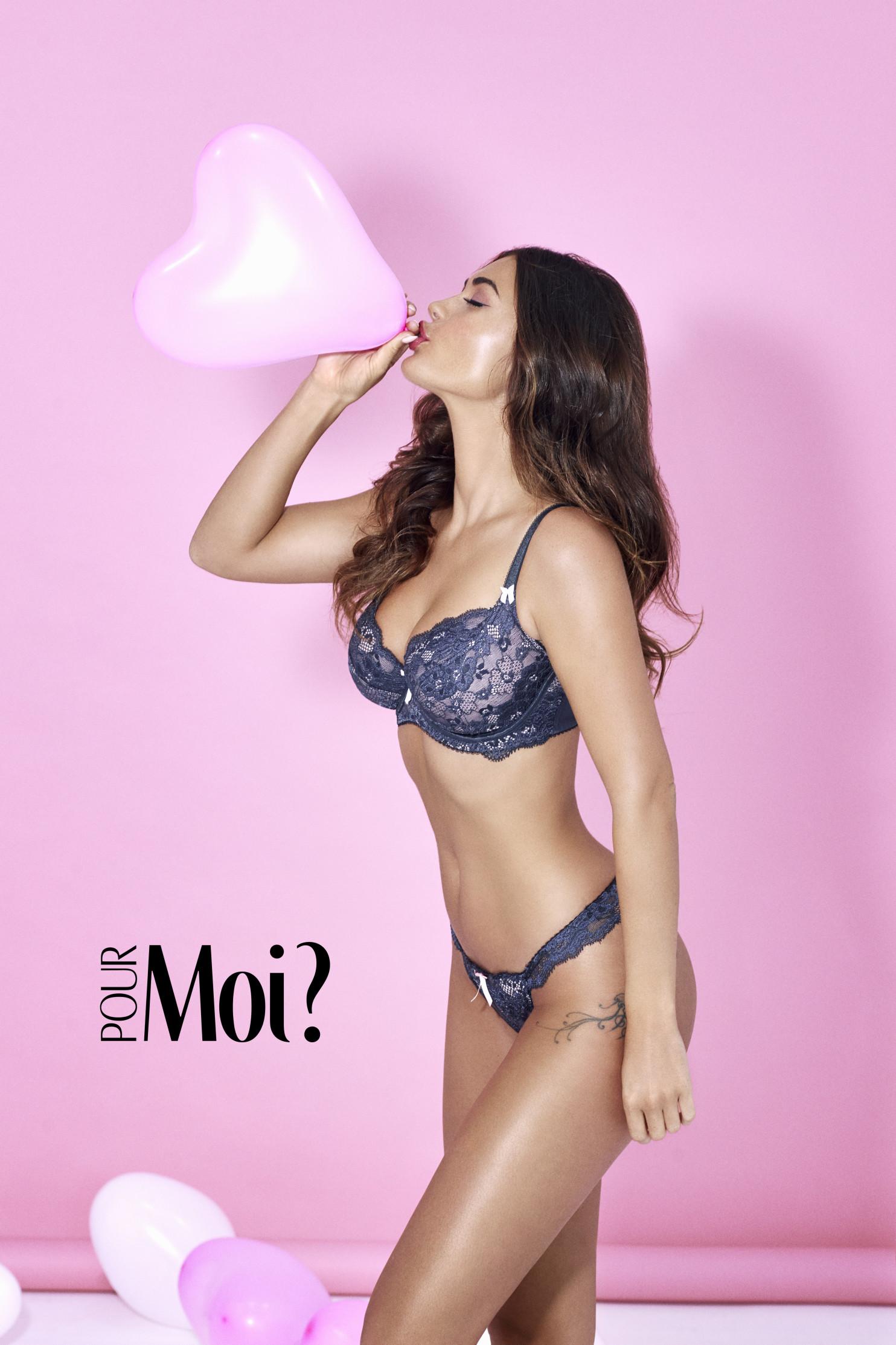 lingerie-photographer-campaign-pink-shoot-1484x2226.jpg