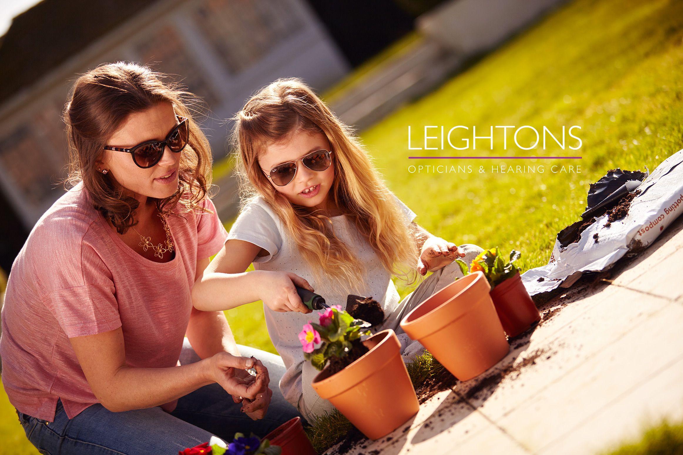 lifestyle-grandparents-garden-family-advertising-photographer-london-lifestyle-family-opticians-ruth-rose-5-compressor.jpg
