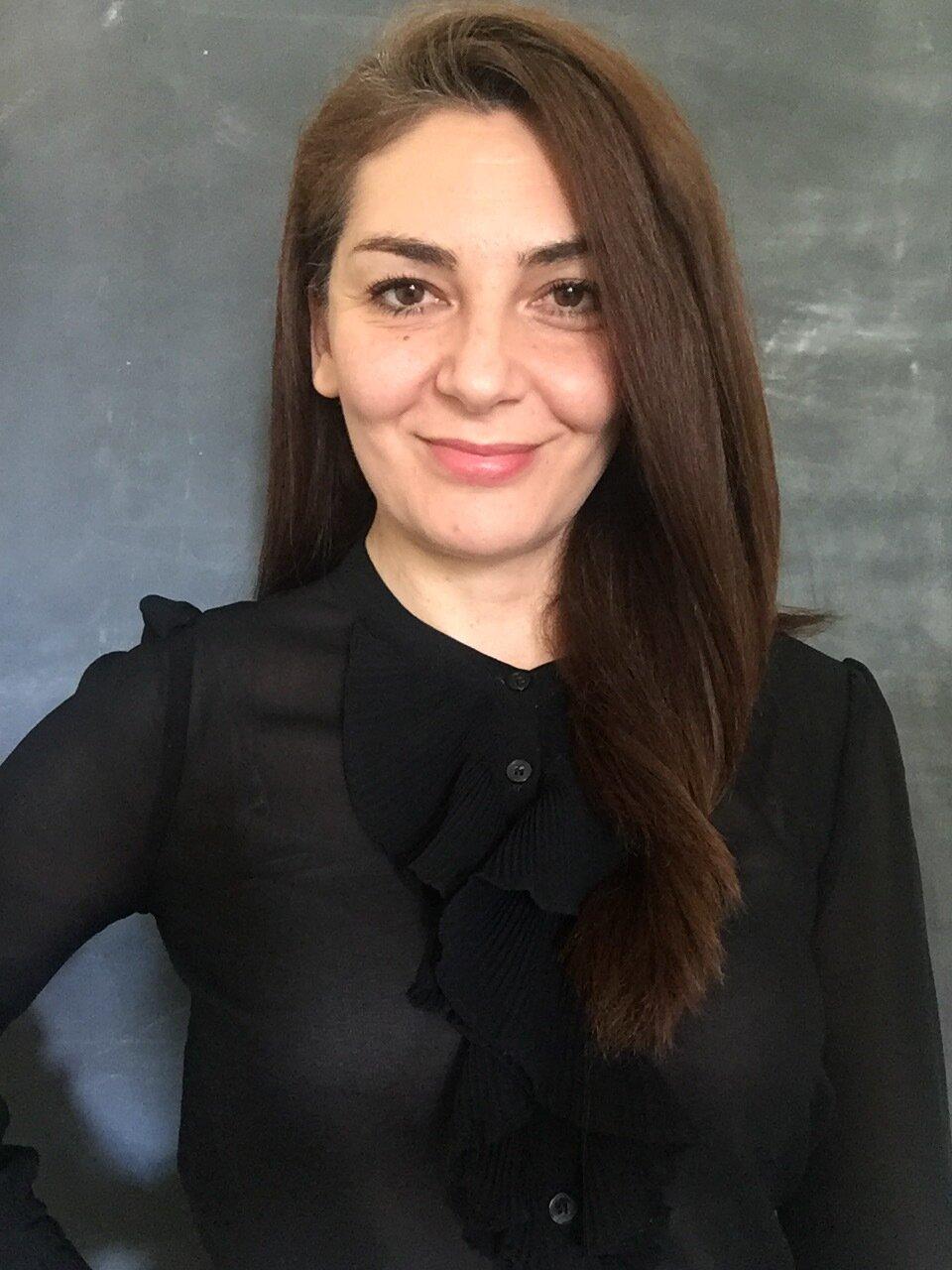 Sophie Halliday Zadeh, Body Language Specialist, My Alcomy. Body Language Coach, Trainer and Keynote Speaker