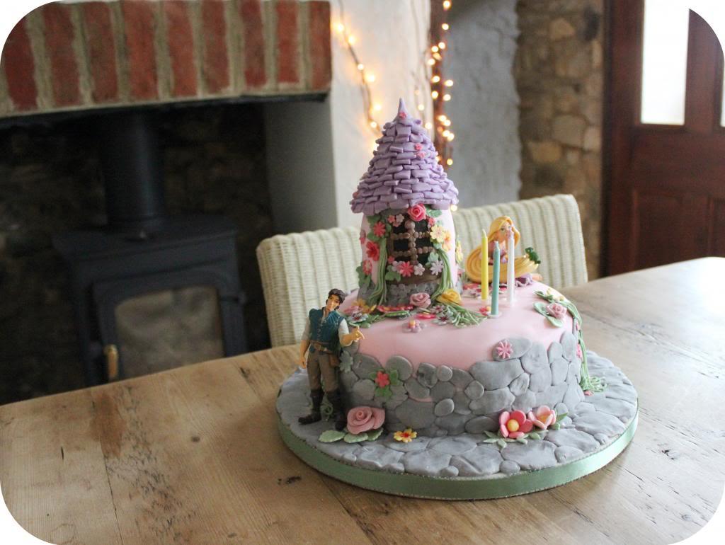 rapunzel cake.jpg
