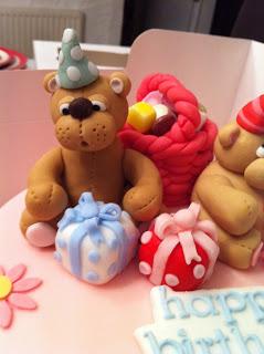 teddy cake 2.jpg