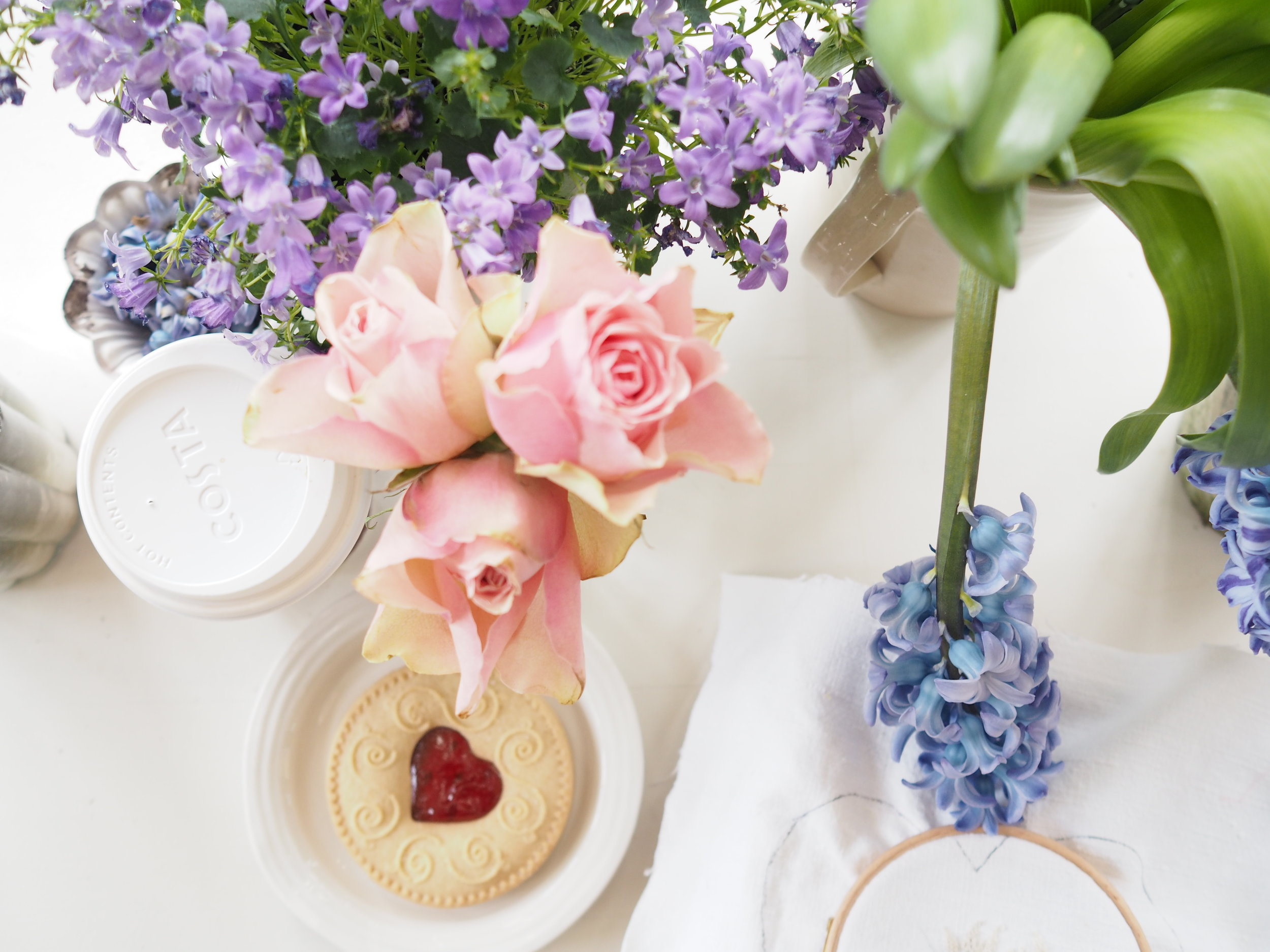 spring flowers and jammy dodgers