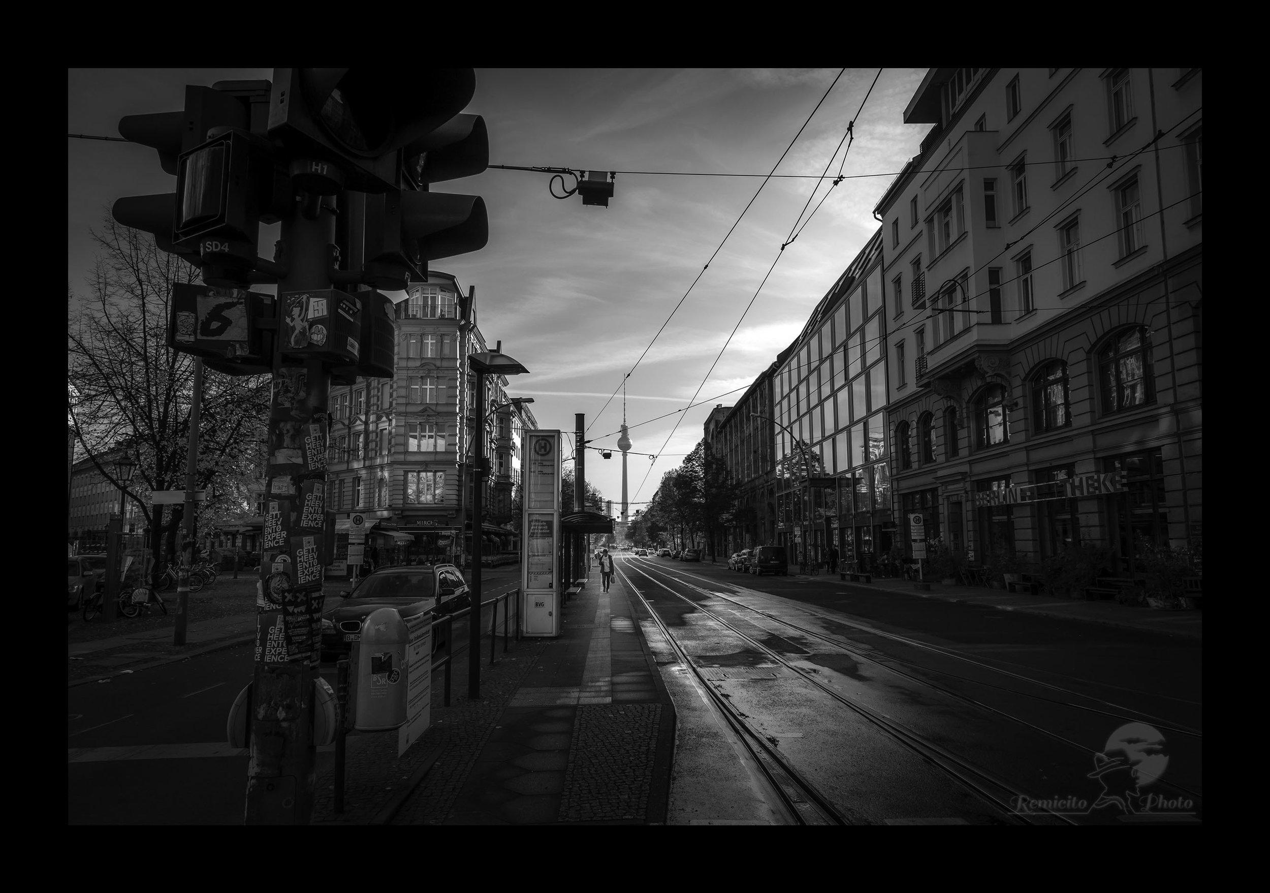 remicito photo, photo noir et blanc, black and white photography, berlin photography, photo berlin noir et blanc, offric photo noir et blanc, cadeau photo noir et blanc, idée cadeau, photo ville noir et blanc, city photography