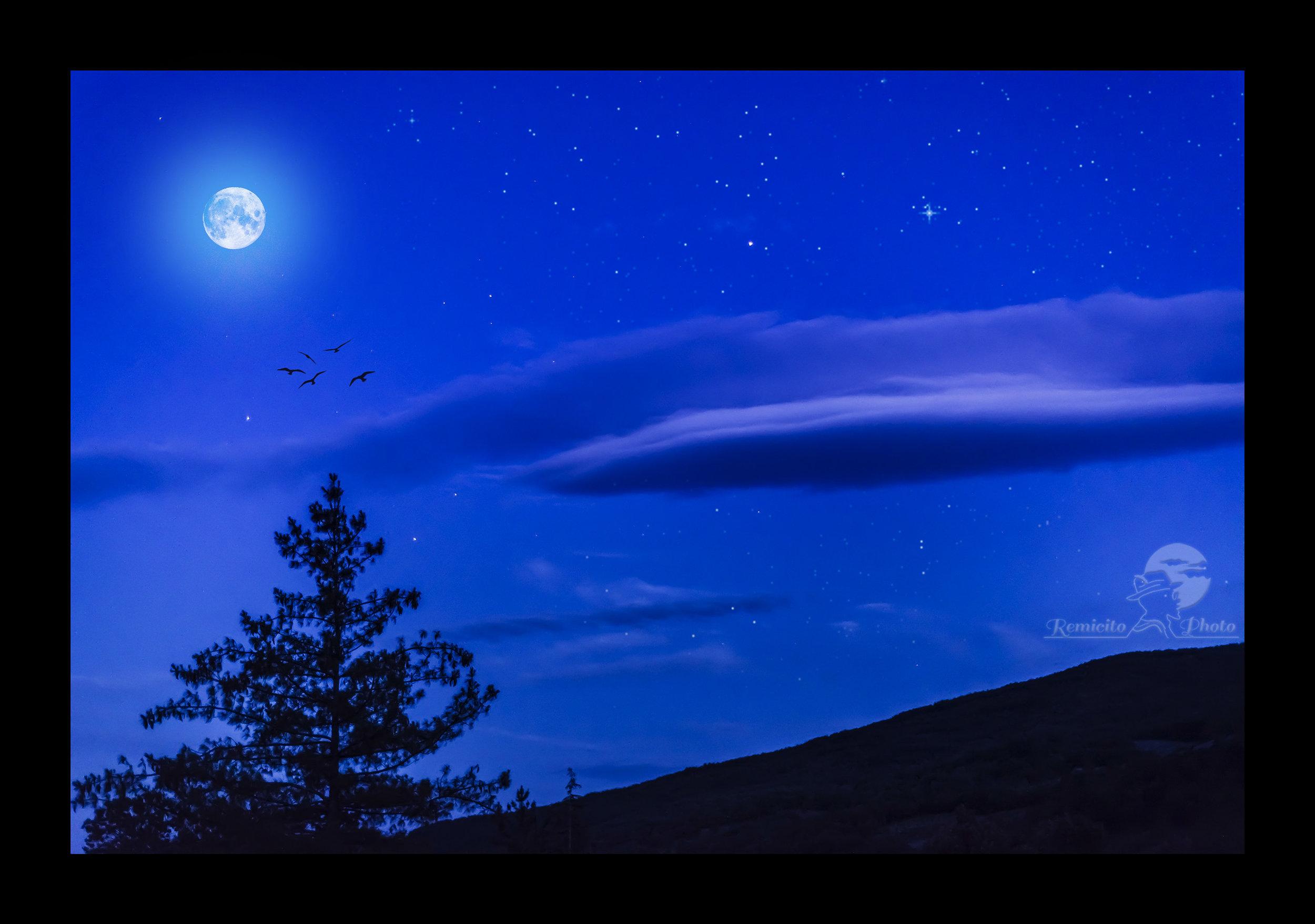 remicito photo, photo de nuit, sud de la france, night photography, moon, photo lune, photo de nuit, idée cadeau, cadeau pour lui, cadeau pour elle, idée décoration photo, beautiful photograph, belle photo déco