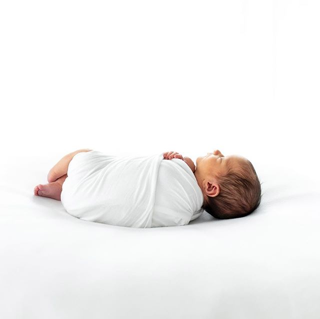 Natural window light, cotton wrap & your newborn baby, simplicity at its best and nothing to detract from the beauty that is your new baby. 🐥  #newborn #newbornphotography #natural light #naturalphotography #white #simplicity #inverclyde #renfrewshire #kilmacolm #bridgeofweir #brookfield #lochwinnoch #photographer #baby #love #newbornofinstagram #newbornsimplicity #pure #villagephotographer #igbaby #beautifulnewborn #instagoodmyphoto #likeforlike #photo #interiorinspiration #inverclyde #photooftheweek #whiteinteriors