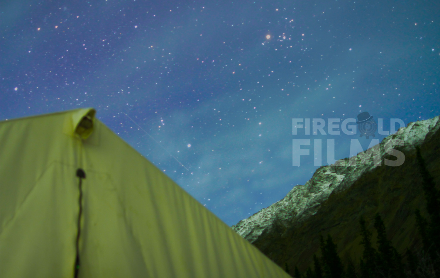 tent-stars-mountains