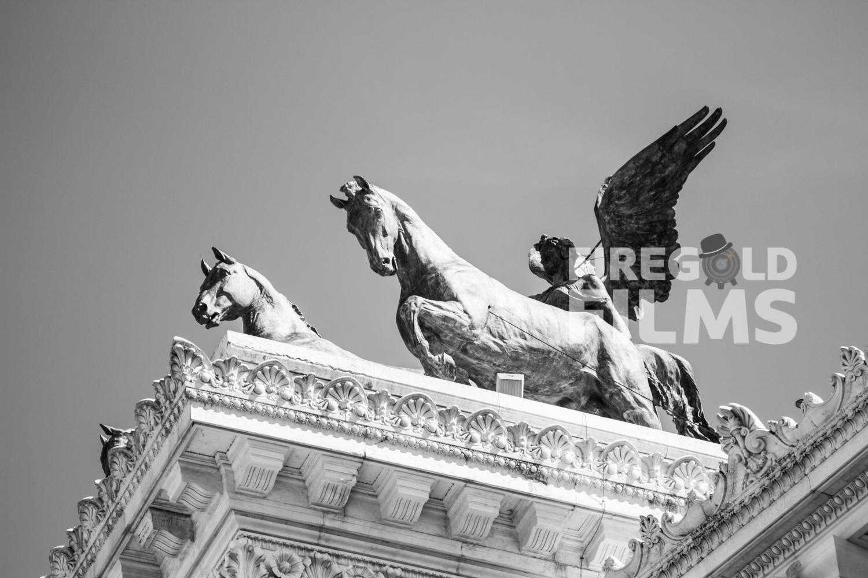 quadriga-statue