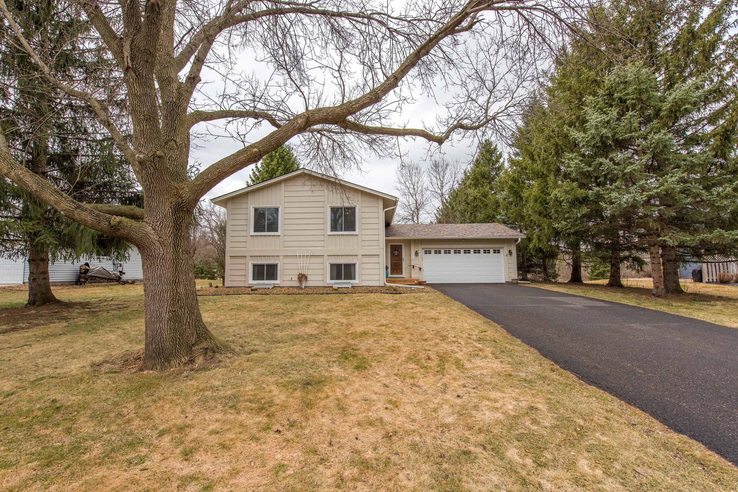 2715 Weston Ln N, Plymouth, MN-3.jpg