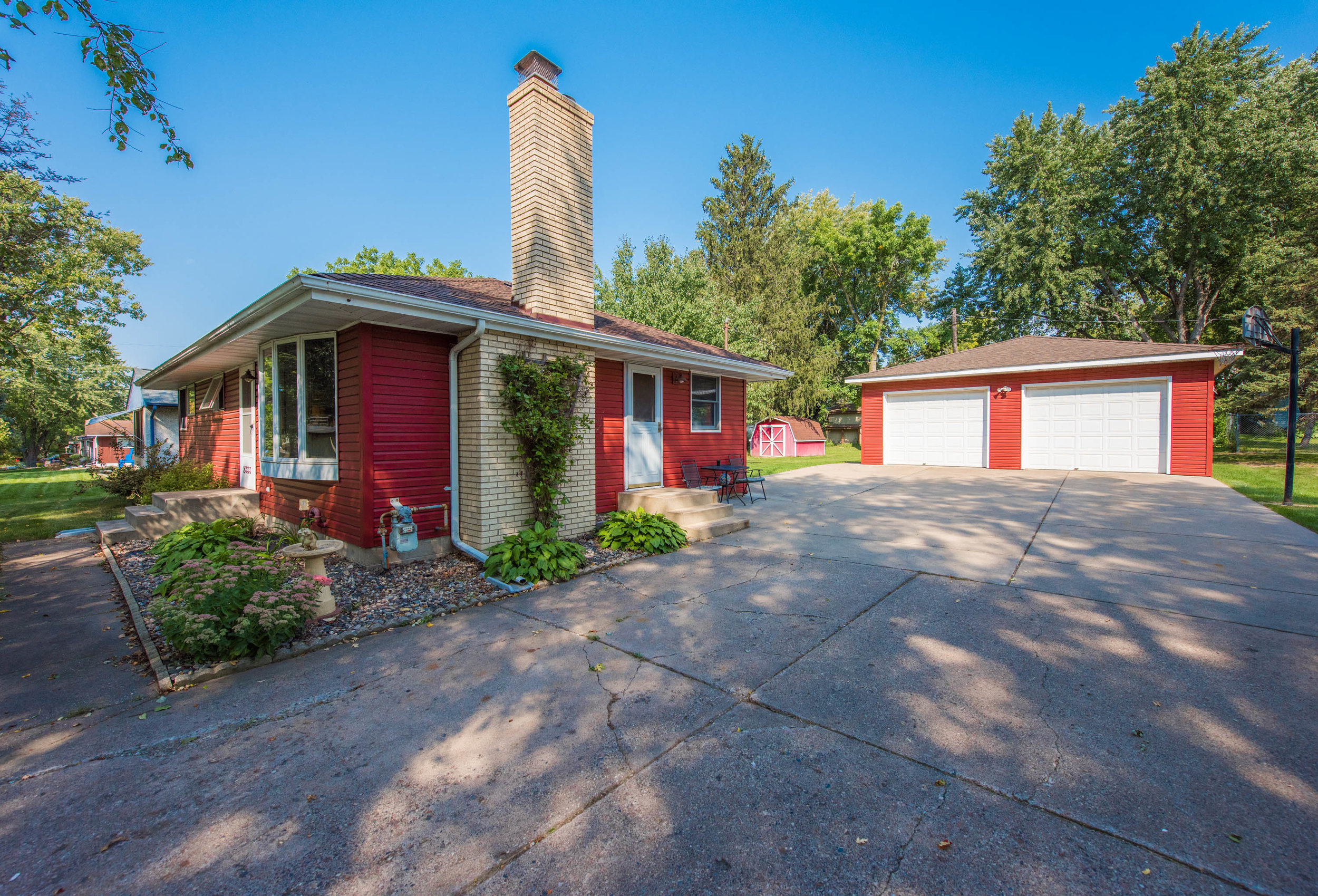 2333 13th Ave E, North St Paul MN-7.jpg