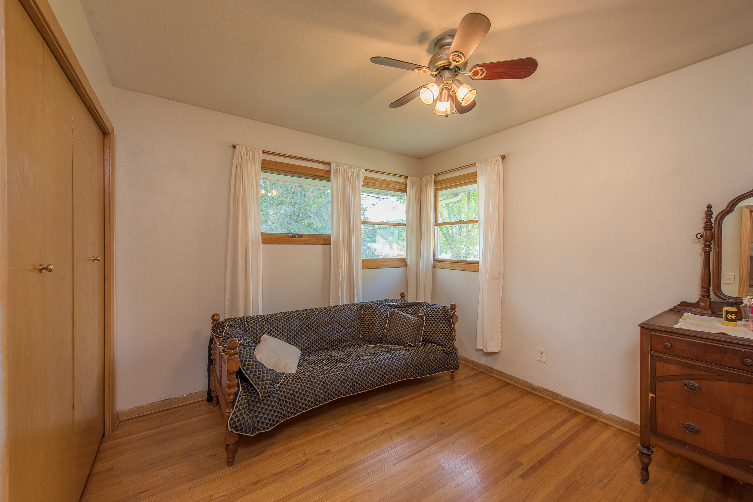 2333 13th Ave E, North St Paul MN-15.jpg