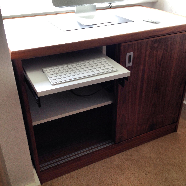 Walnut desk (2).JPG