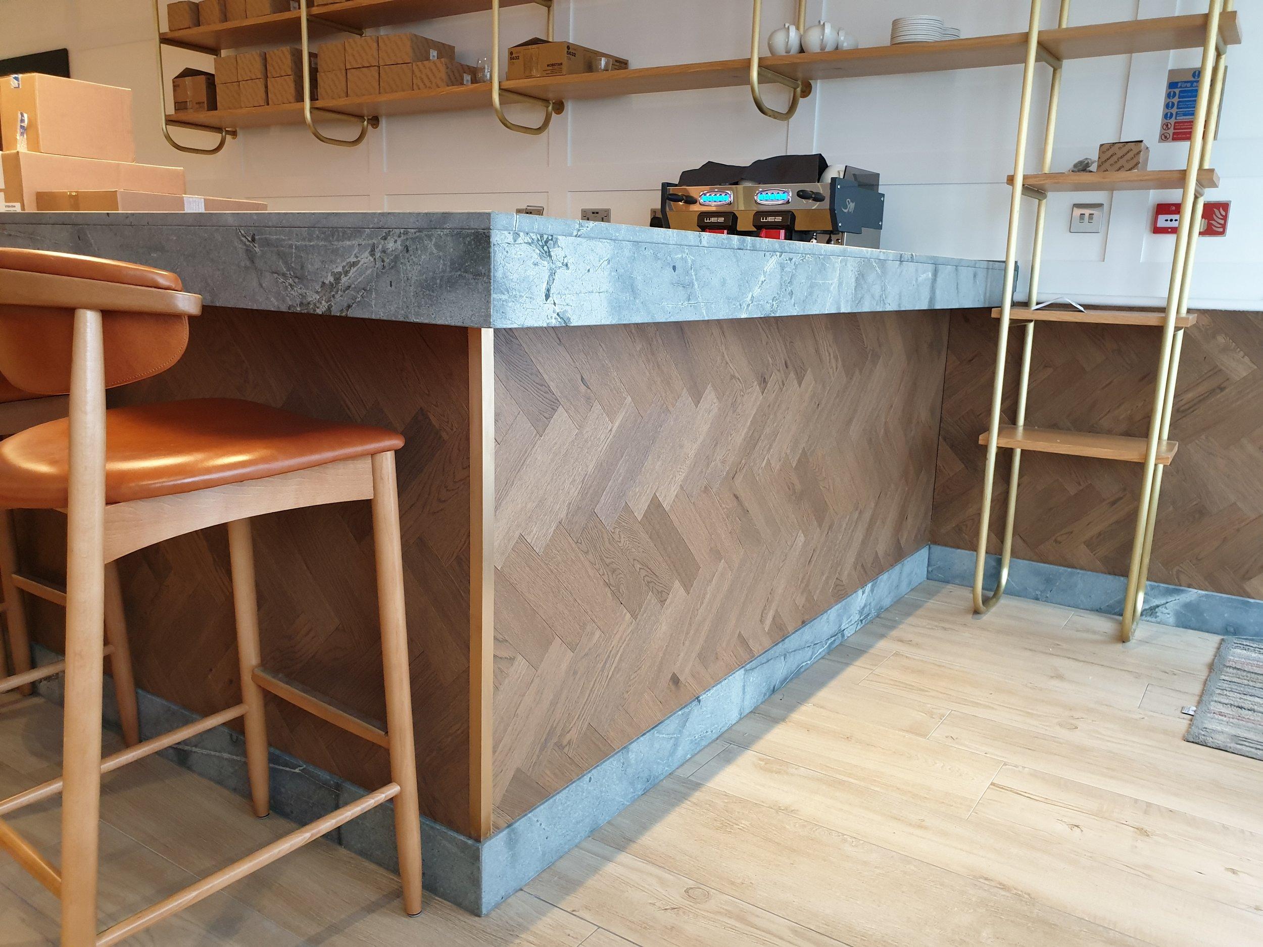oak bar.jpg