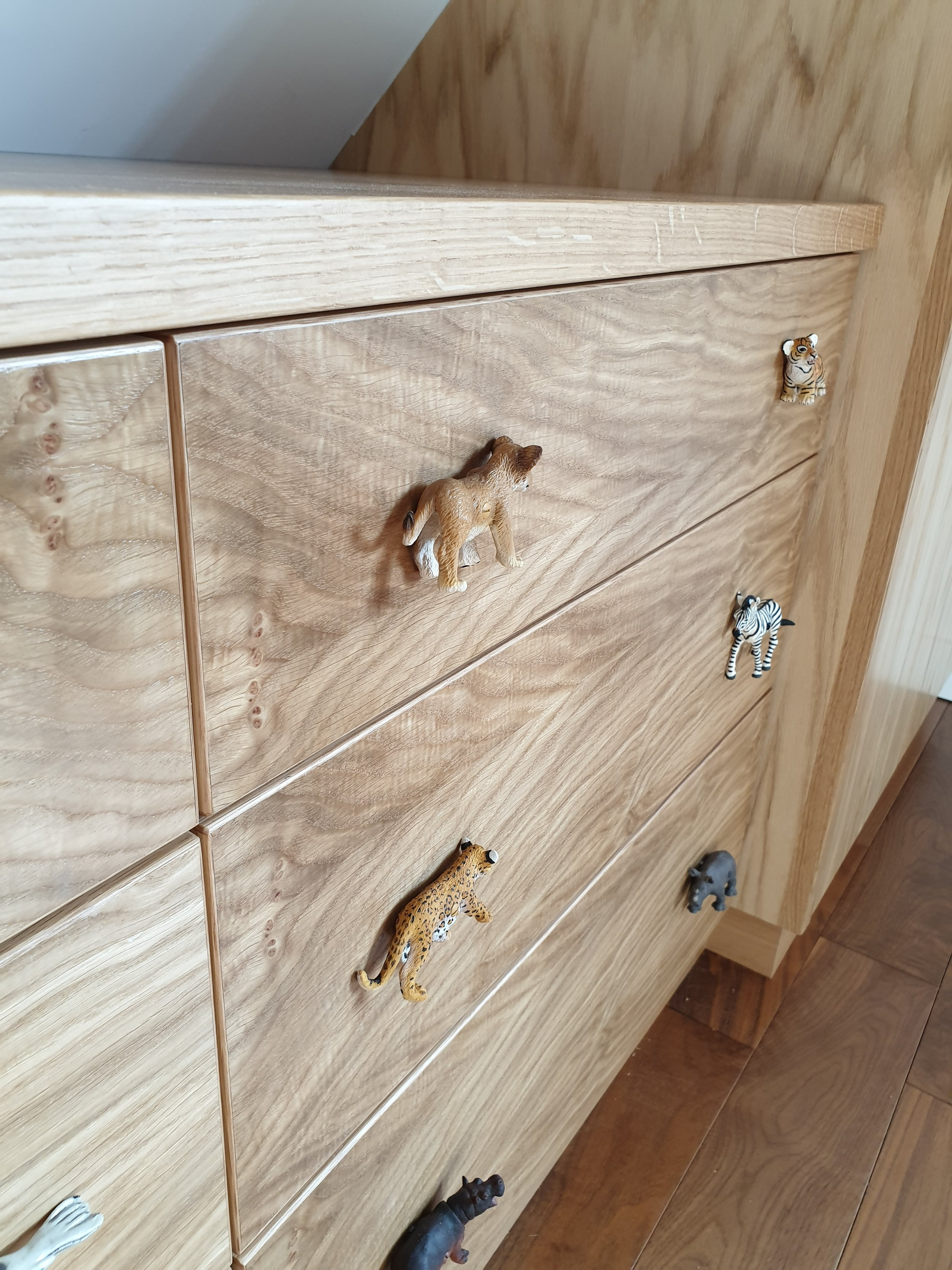 childrens chest of drawers.jpg