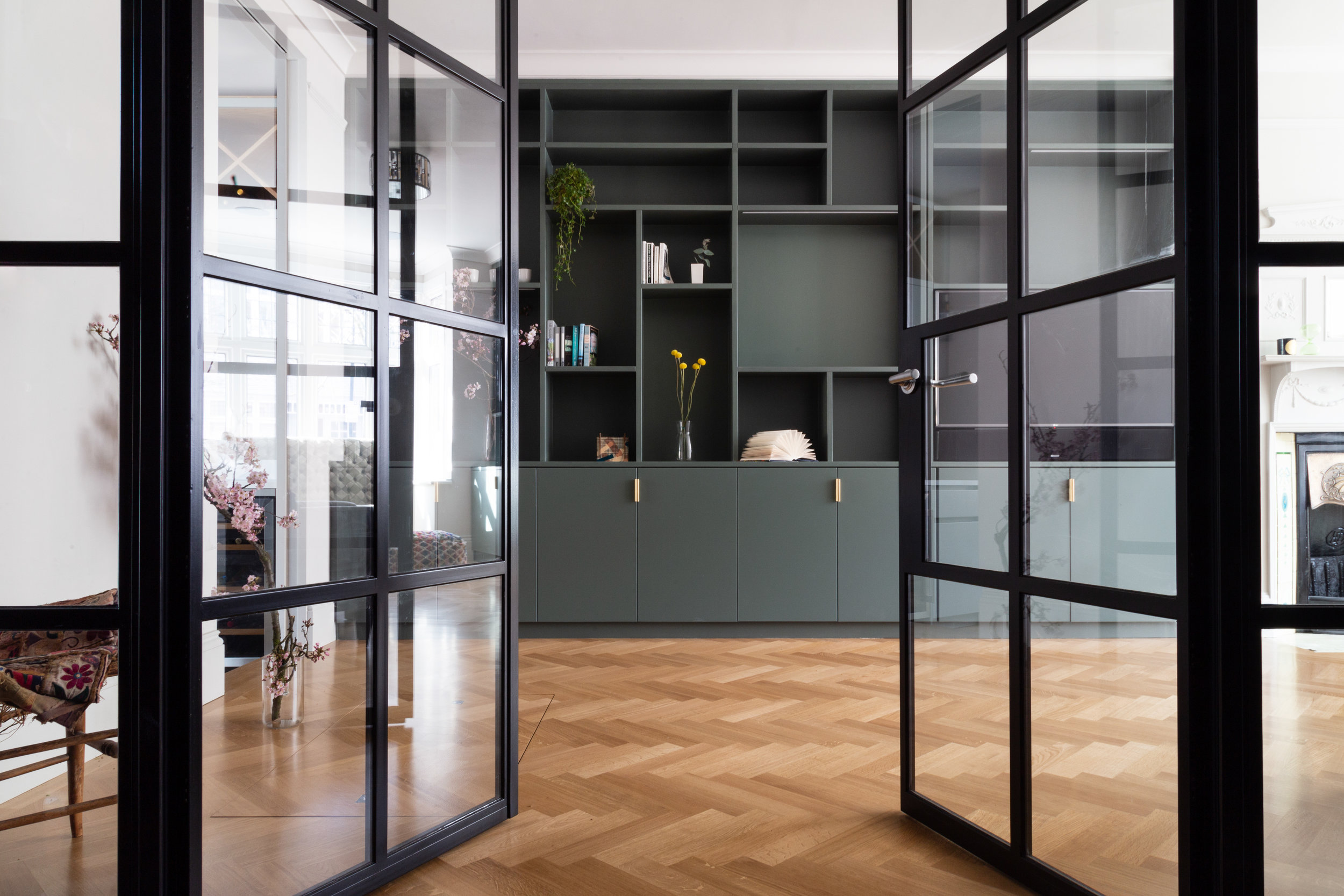 The-engineers-house-crittall-doors-living-room.jpg