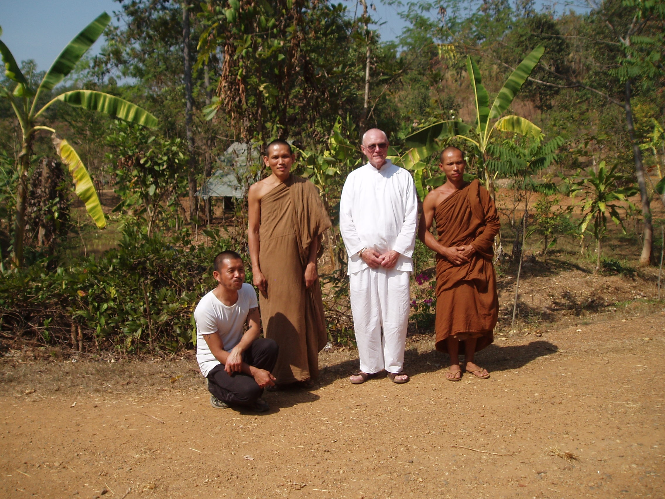 Sivali and Boem with monks.JPG