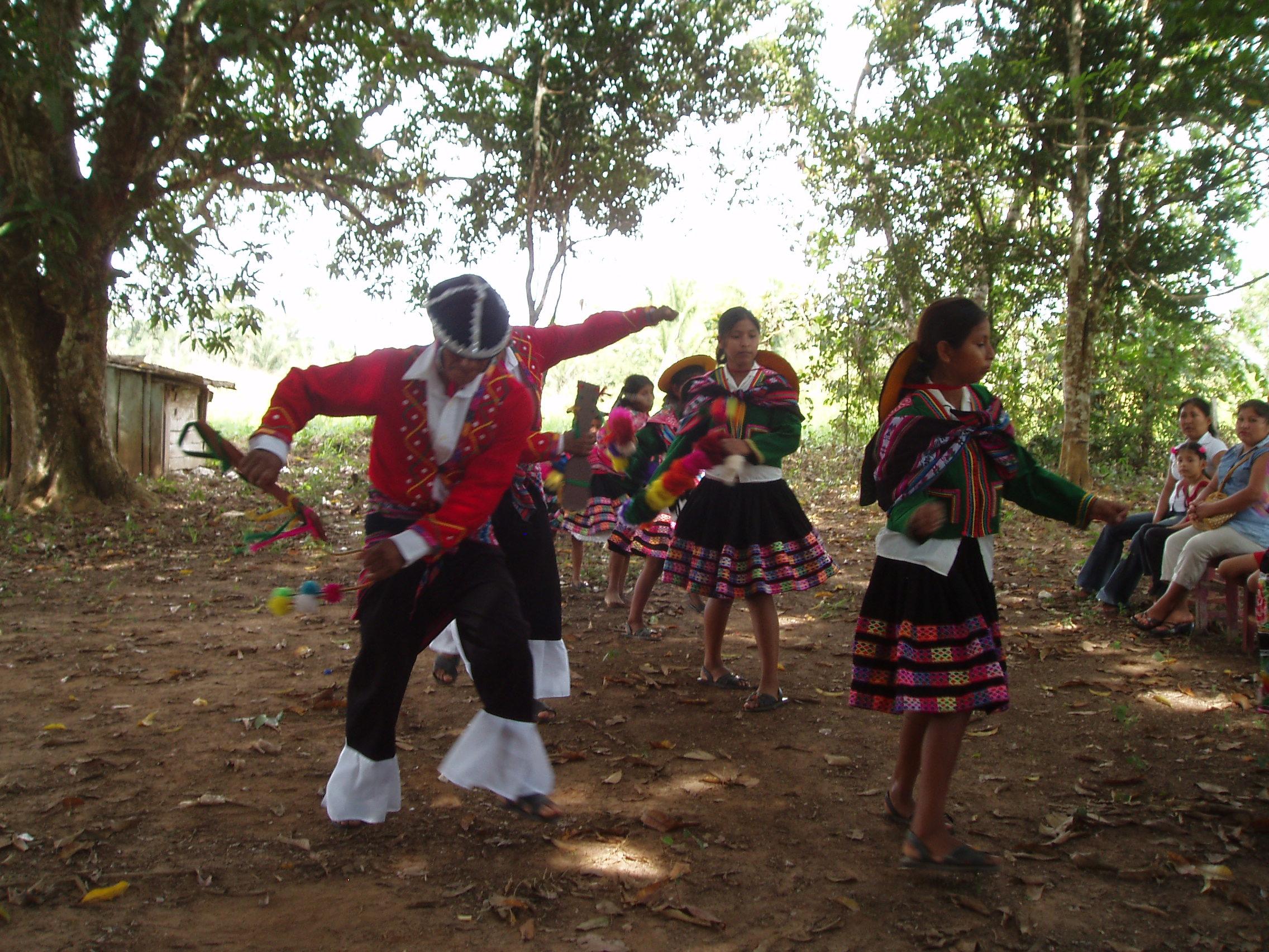 Bello dancing.jpg