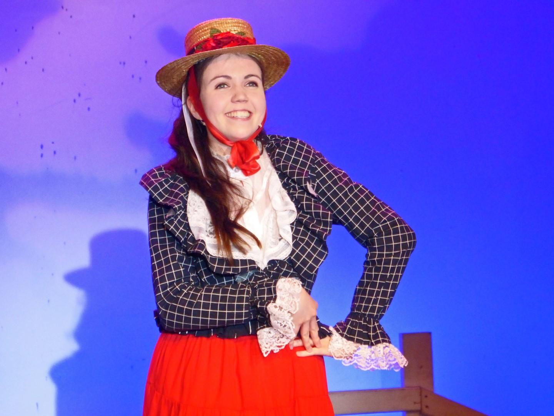 Phoenix Youth Theatre star Olivia Thom in Oklahoma