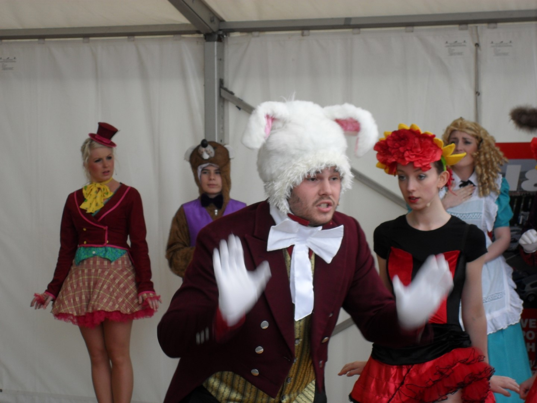 Phoenix Theatre Alice in Wonderland 7
