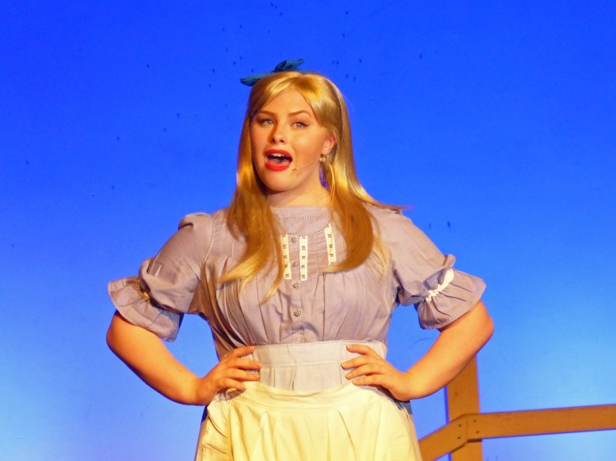 Amy as Laurie in Phoenix Youth Theatre's Oklahoma (2016)