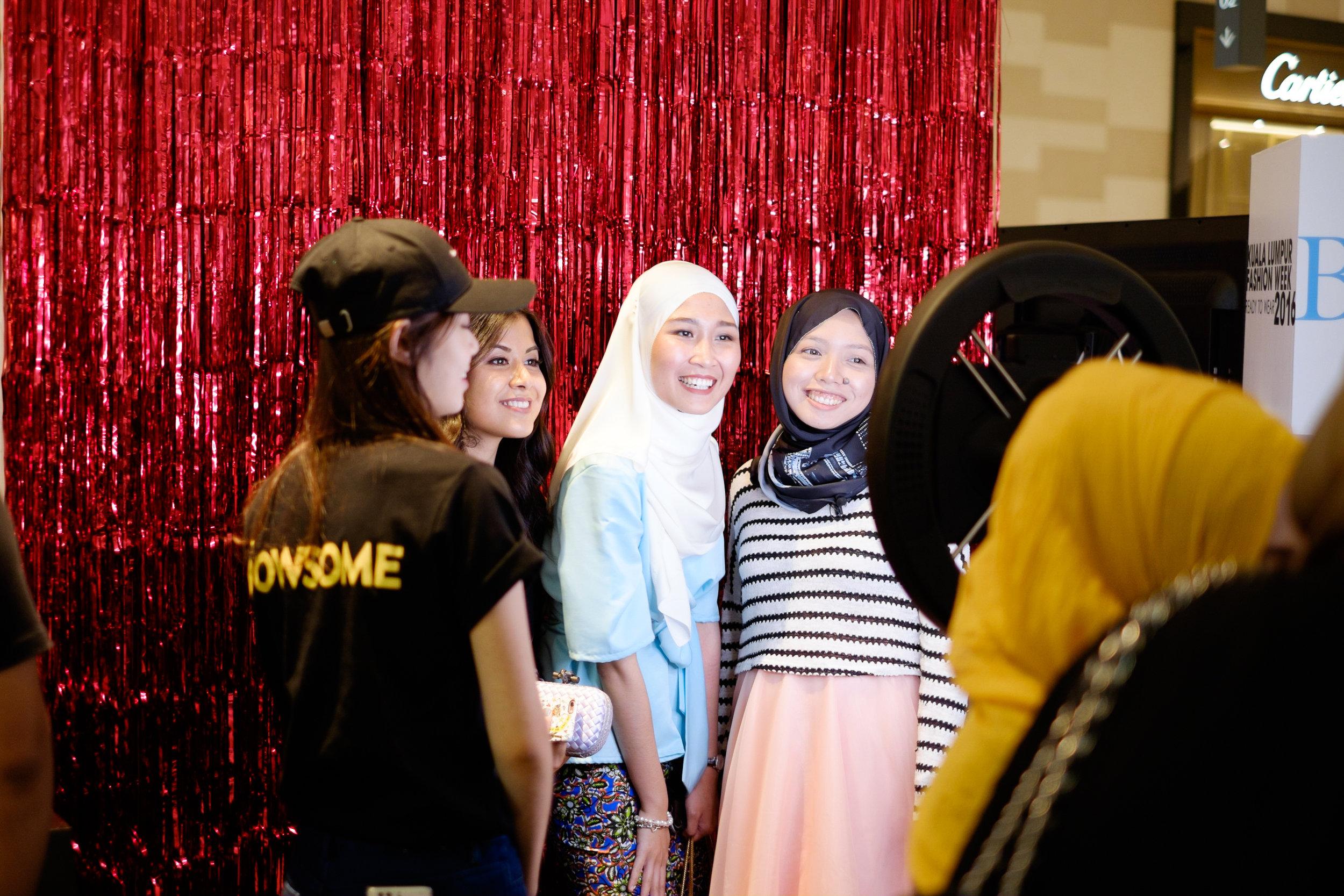 With my fashion homies, Nabeela of lipstickmyname.com and Fina of weekendfrocks.com