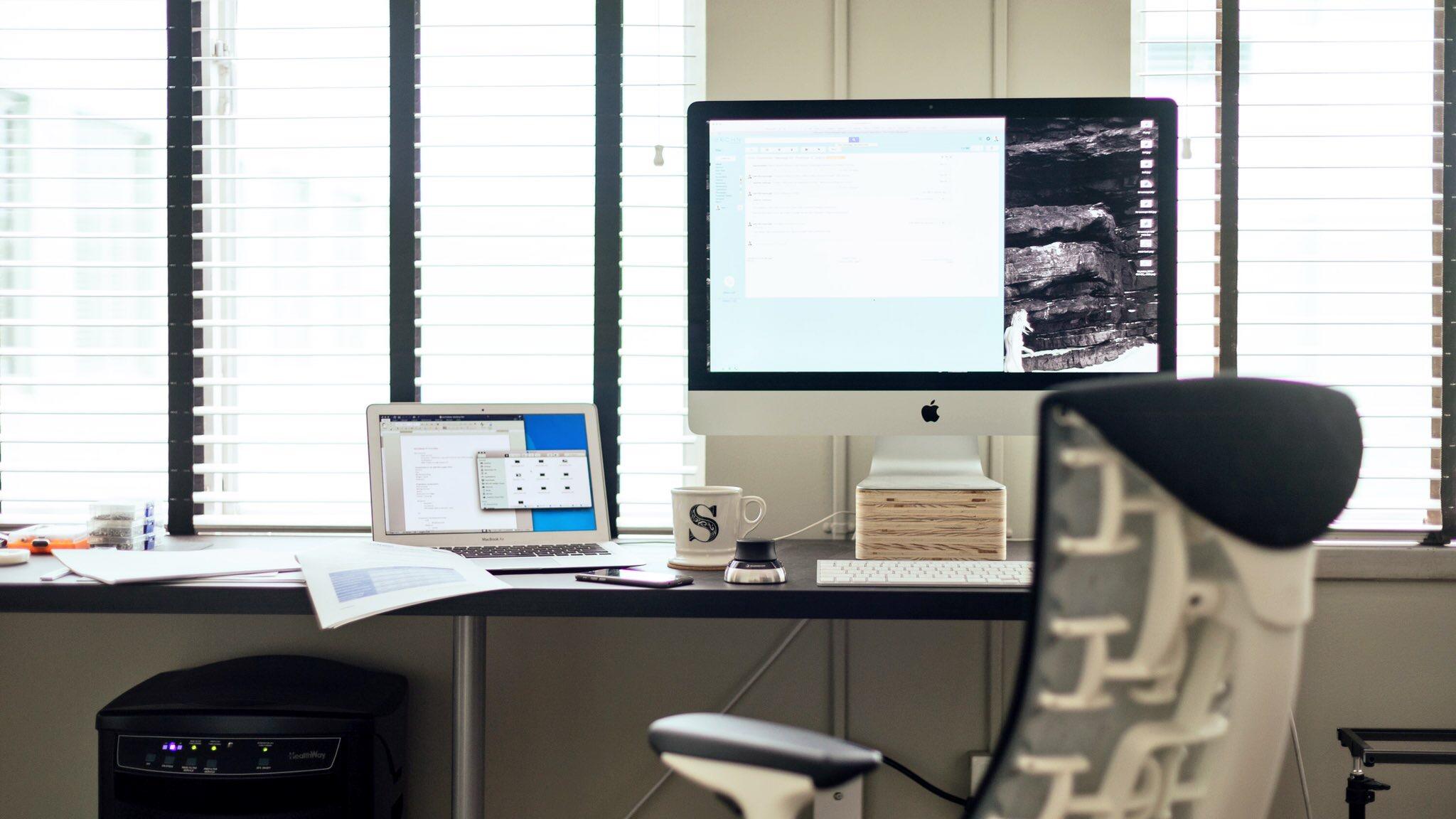 desk-hermanmiller