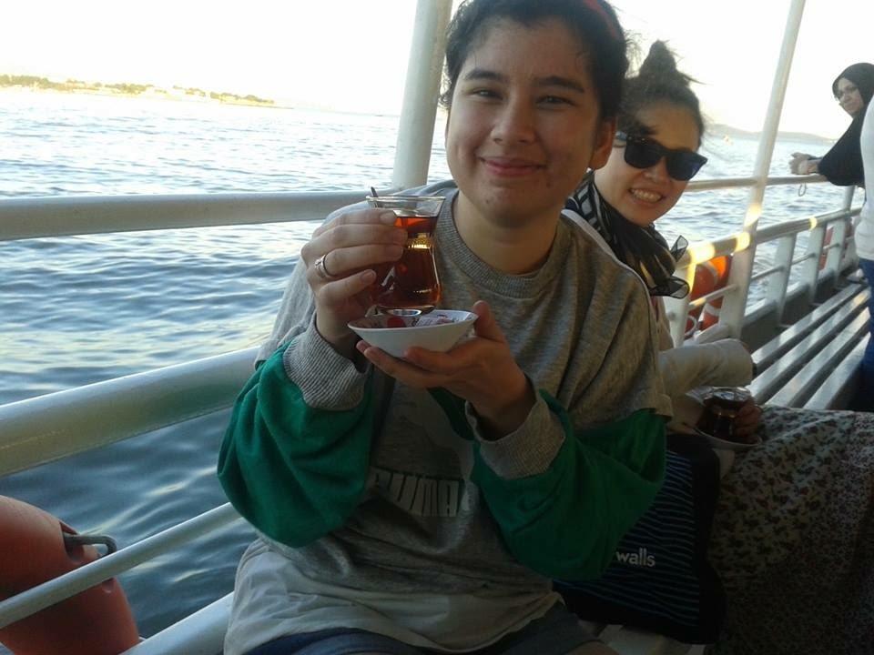 Jaleh and her tea