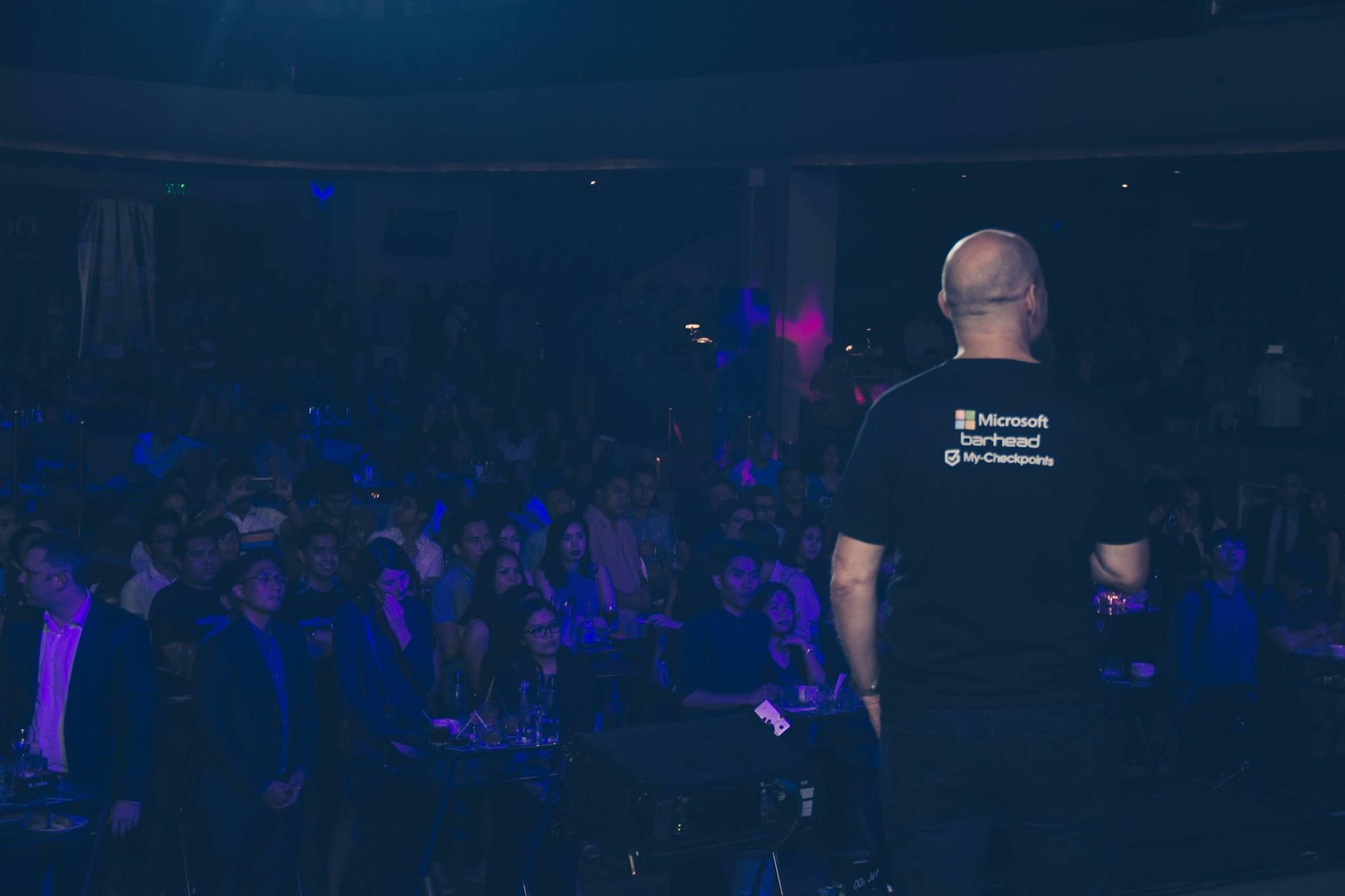 FutureNow Ventures' John Orrock addresses Philippine BPO in da club. (Image c/o Barhead)