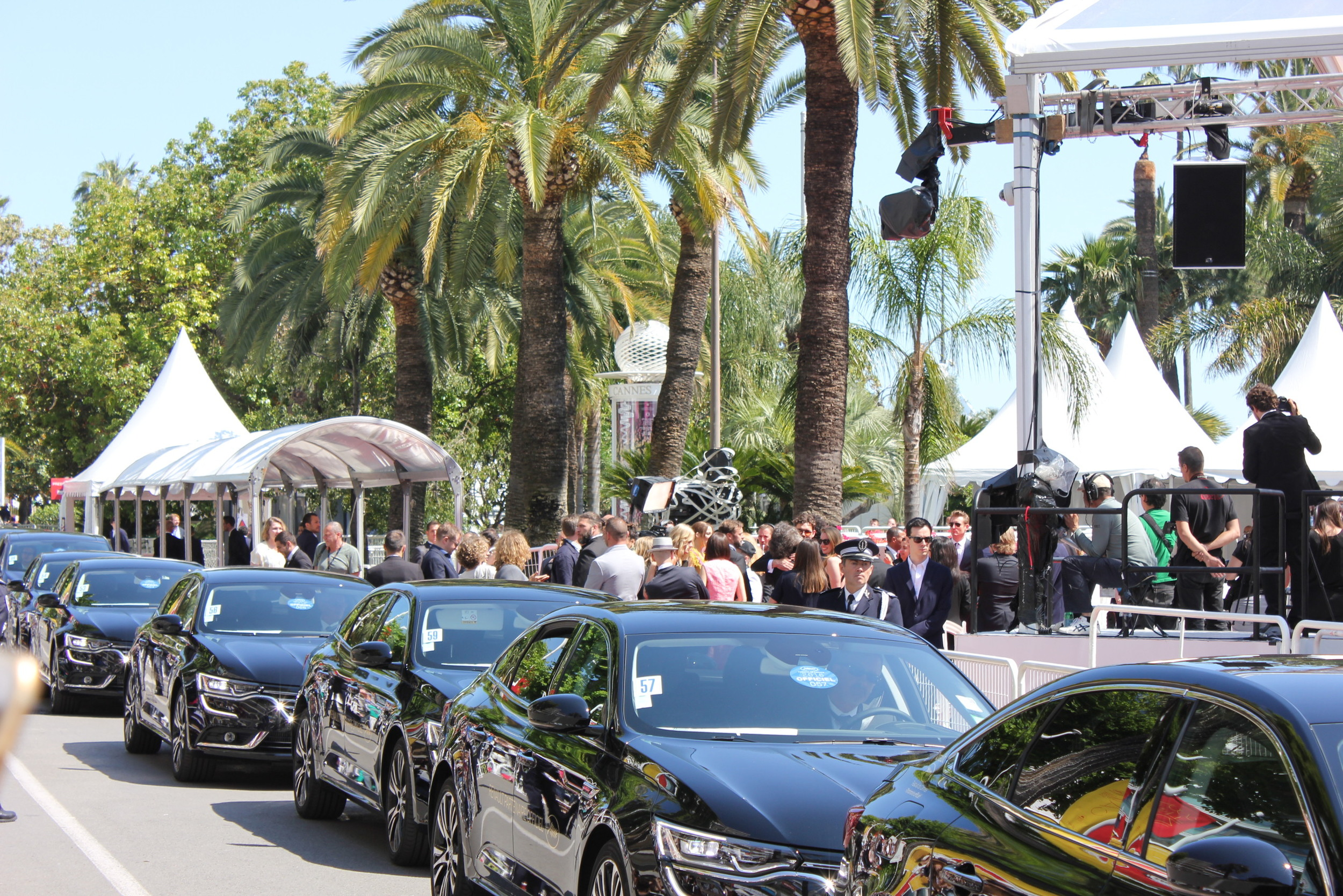 Stars arriving in offical Cannes FF cars
