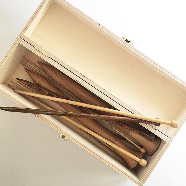 new box for my wooden knitting needles 😍 #knitting #instaknit #knittersofinstagram #knittingismyyoga #stricken