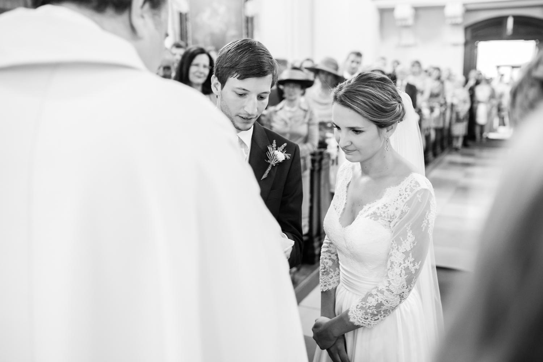 3_Kirche_Hochzeit_VeroRudi (40).jpg