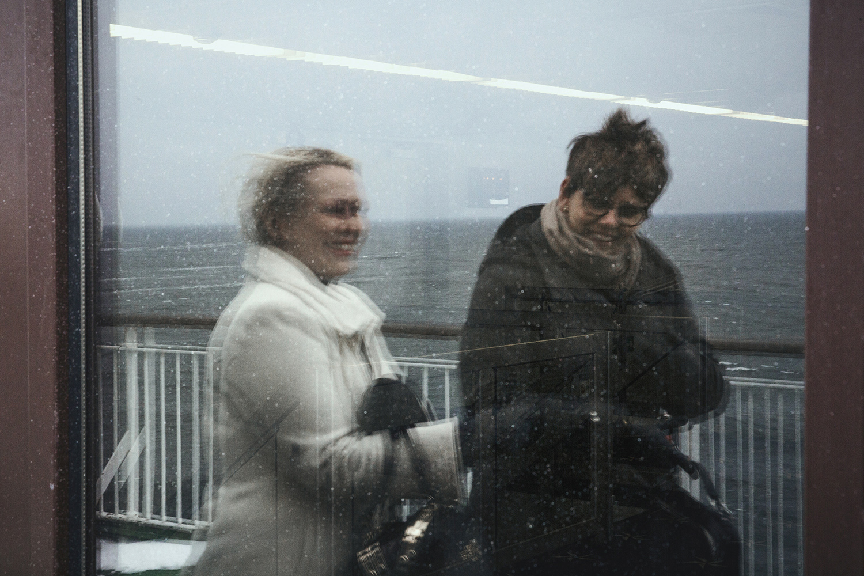 Johanna and Maria on deck.
