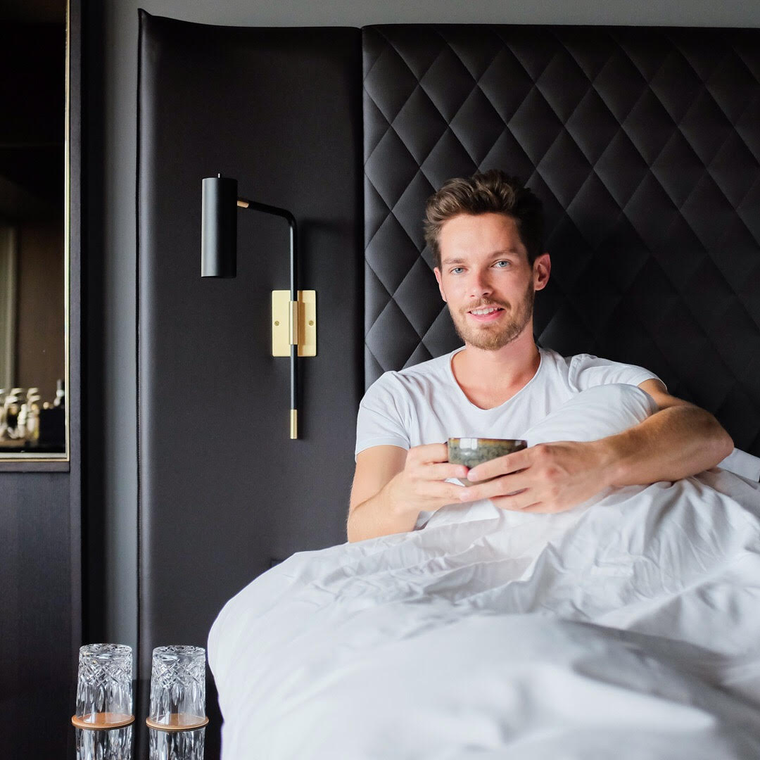 thomas-poulet-at-six-hotel-influencer.jpg