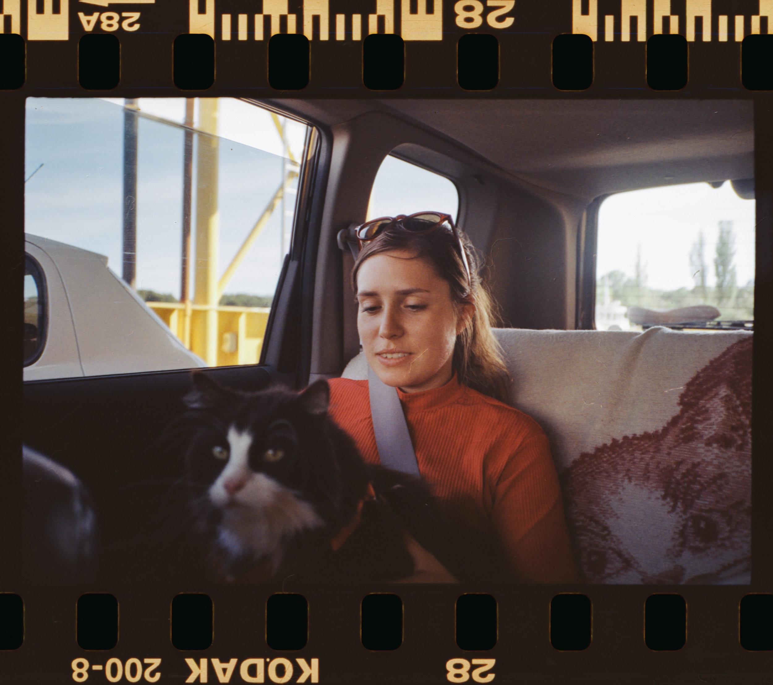 Cat Cab / Kodak Gold 200 / Yashica t3